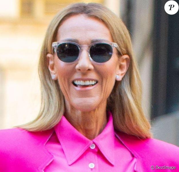 Céline Dion en rose pour la Journée Internationale des Droits des Femmes à New York le 7 mars 2020.