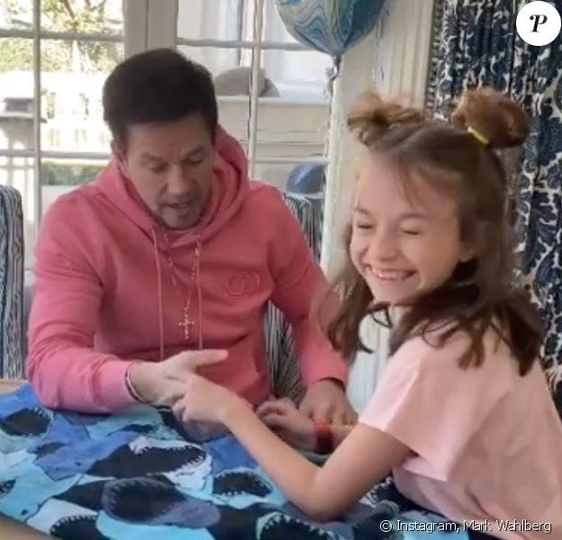 Mark Wahlberg et sa fille Grace, en quarantaine. Mars 2020.