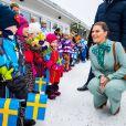 La princesse Victoria et le prince Daniel de Suède à l'école maternelle Älvstranden à Pello en Finlande dans le cadre de leur visite officielle à Övertorneå en Suède, le 10 mars 2020.