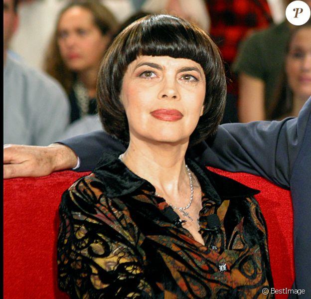 Mireille Mathieu avec Michel Drucker en 2002 à Paris.