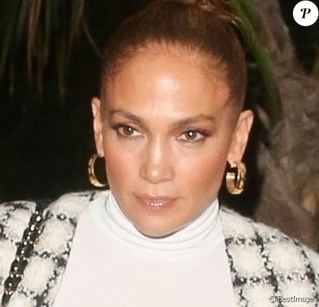 Jennifer Lopez, et son fiancé Alex Rodriguez vont dîner chez San Vicente Bungalows à West Hollywood le 14 mars 2020.