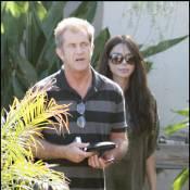 Mel Gibson aux petits soins avec sa nouvelle compagne... qui dévoile ses rondeurs de future maman !
