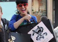 Katy Perry : la coquine veut détenir le monde ! Avec son sourire et sa sexy attitude... rien de plus facile !