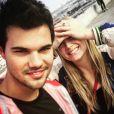 Billie Lourd et Taylor Lautner sur une photo publiée sur le compte Instagram de l'acteur le 28 décembre 2016.