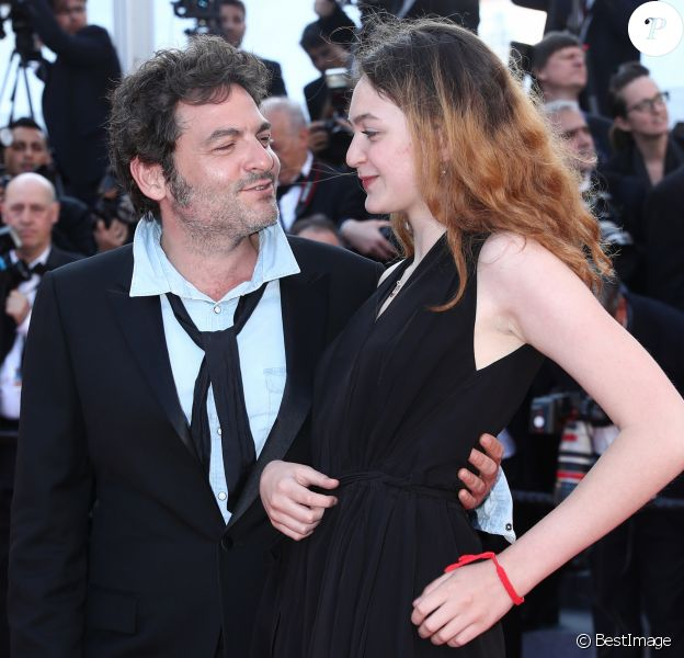 "Le chanteur M (Matthieu Chedid) et sa fille Billie - Montée des marches du film ""Les Filles du Soleil"" lors du 71e Festival International du Film de Cannes. Le 12 mai 2018 © Borde-Jacovides-Moreau/Bestimage"