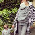 """Tiffany de """"Mariés au premier regard"""" avec ses filles Zélie et Romy, photo Instagram du 4 mai 2020"""