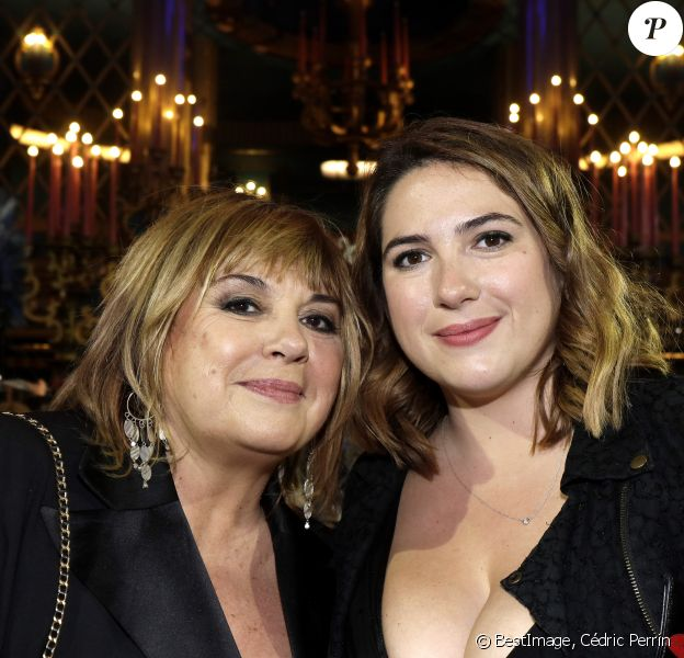 Michèle Bernier et sa fille Charlotte Gaccio lors de la 31e cérémonie des Molières 2019 aux Folies Bergère à Paris, France, le 13 mai 2019. ©Cédric Perrin/Bestimage