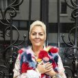 """Exclusif - Hermine de Clermont-Tonnerre sort sa chienne """"Madame"""" pendant le confinement lors de l'épidémie de coronavirus (COVID-19) à Paris le 29 avril 2020. © Jack Tribeca / Bestimage"""