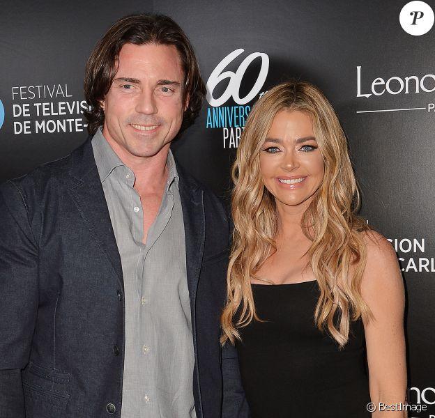 Denise Richards et son mari Aaron Phypers - 60e anniversaire du Festival de Télévision de Monte-Carlo à West Hollywood le 5 février 2020.