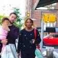 Serena Williams, son mari Alexis Ohanian et leur fille Alexis Olympia lors d'une promenade dans New York, le 7 mai 2019.