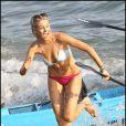 Stephanie Pratt sur la plage de malibu le 3 septembre 2009