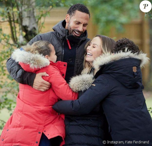 L'ancien footballeur Rio Ferdinand, son épouse Kate Ferdinand et ses trois enfants (nés de son premier mariage). Février 2020.