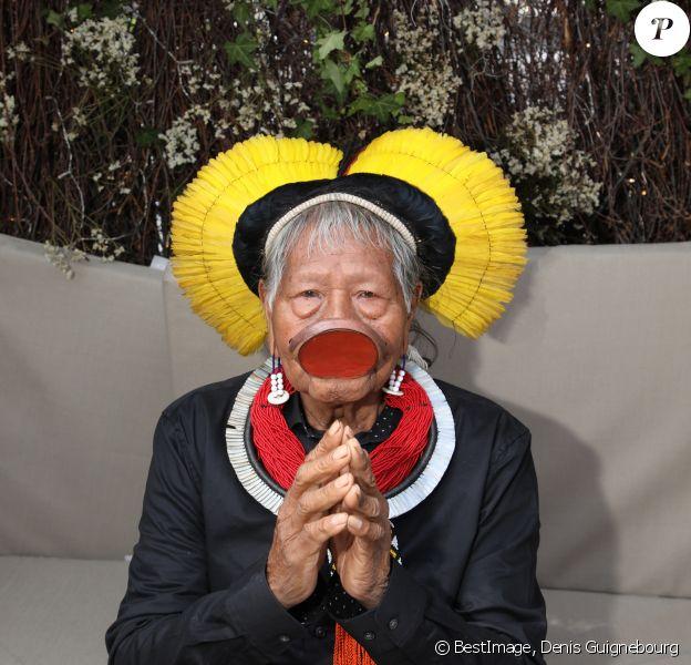 """Exclusif - Le chef Raoni Metuktire à la conférence de presse de """"SOS Xingu"""", organisée par The Journey By The Land, sur la terrasse du 3.14 lors du 72ème Festival International du Film de Cannes, le 25 mai 2019. © Denis Guignebourg/Bestimage"""