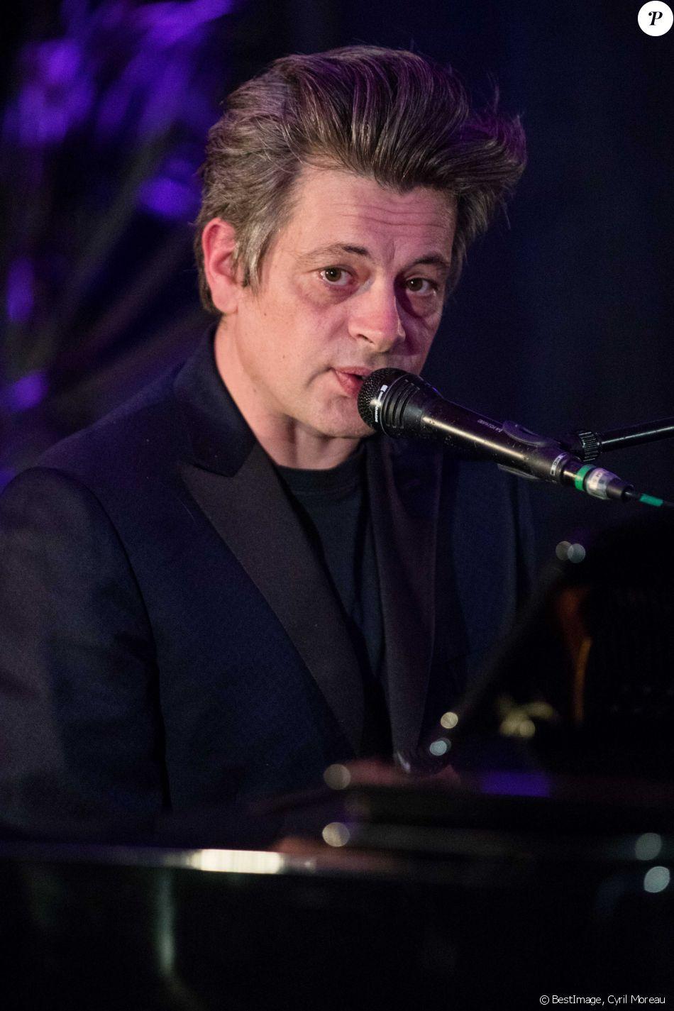 """Benjamin Biolay - Soirée privée Maison Nathalie Blanc """"Spéciale Silmo"""" au Café de l'Homme à Paris suivie d'un concert privé de B. Biolay le 27 Septembre 2019. © Cyril Moreau / Bestimage"""