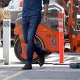 Exclusif - Emma Roberts et son compagnon Garrett Hedlund font un stop dans une station service à Los Angeles le 23 juin 2020.
