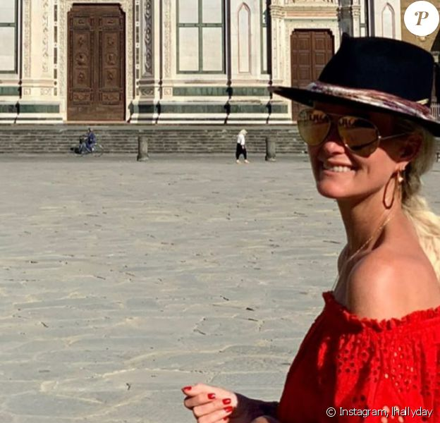 Laeticia Hallyday en vacances en Italie. Après Pise, elle a visité Florence le 28 juin 2020.