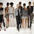 Gwen Stefani a présenté sa collection printemps-été 2010 à New York le 10/10/10 dans le cadre de la Fashion Week.