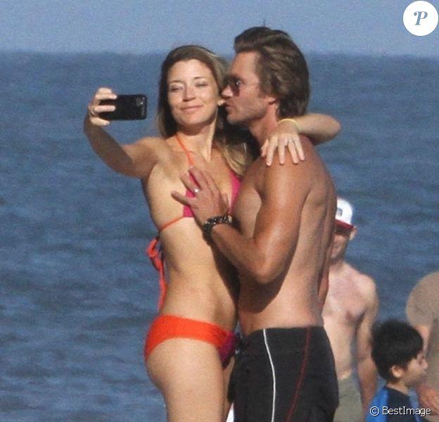 Exclusif - L'acteur Chad Michael Murray torse nu montrant ses muscles et ses abdos avec sa femme Sarah Roemer et leurs enfants à Malibu. Le 9 juillet 2020.