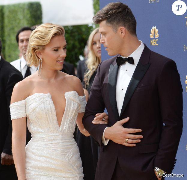 Scarlett Johansson et son compagnon Colin Jost au 70ème Primetime Emmy Awards au théâtre Microsoft à Los Angeles, le 17 septembre 2018
