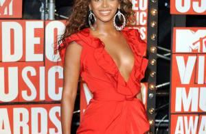 Beyoncé, Jennifer Lopez, Katy Perry, Keri Hilson, Cassie, Lady GaGa, Shakira : voici le concours du... décolleté le plus insolent !