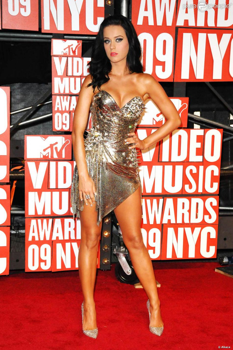 http://static1.purepeople.com/articles/6/39/83/6/@/280586-mtv-video-music-awards-2009-le-13-950x0-4.jpg