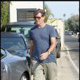Pïerce Brosnan rejoint sa voiture à Malibu le 3 septembre 2009