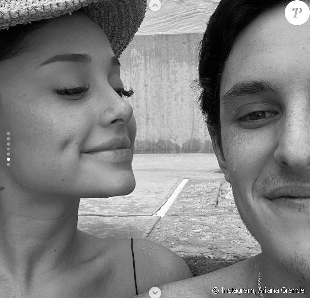 Ariana Grande et son petit ami Dalton Gomez. Août 2020.