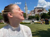 Amber Heard : Sa tenue dans une mosquée critiquée, elle réplique