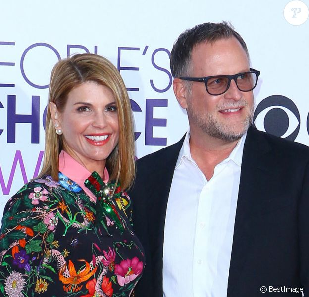 Lori Loughlin et Dave Coulier - Arrivées à la soirée des People's Choice awards à Los Angeles, Californie, Etats-Unis.
