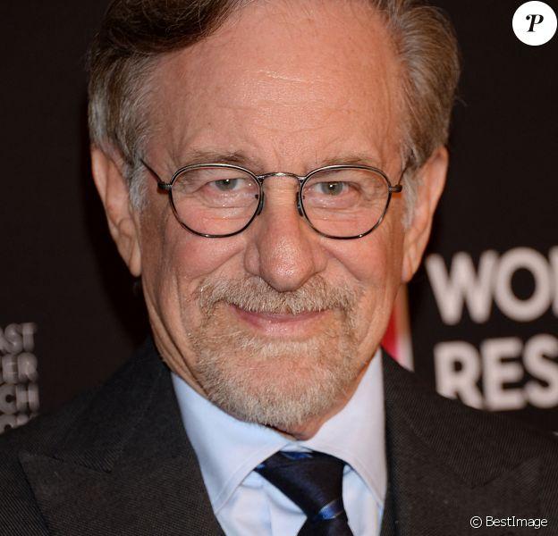 Steven Spielberg à la soirée caritative The Women's Cancer Research Fund's An Unforgettable Evening à Beverly Hills.