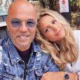 Pascal Obispo et sa femme Julie au début des vacances le 26 juillet 2020.