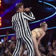 Miley Cyrus et Robin Thicke lors des MTV Video Music Awards 2013 à Brooklyn. Le 25 août 2013.
