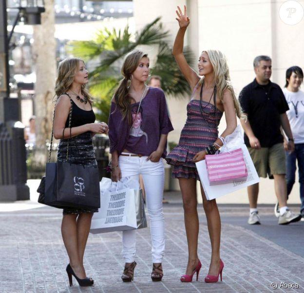Lo Bosworth, Audrina Patridge et Stephanie Pratt sur le tournage de The Hills, à Hollywood. 18/09/09