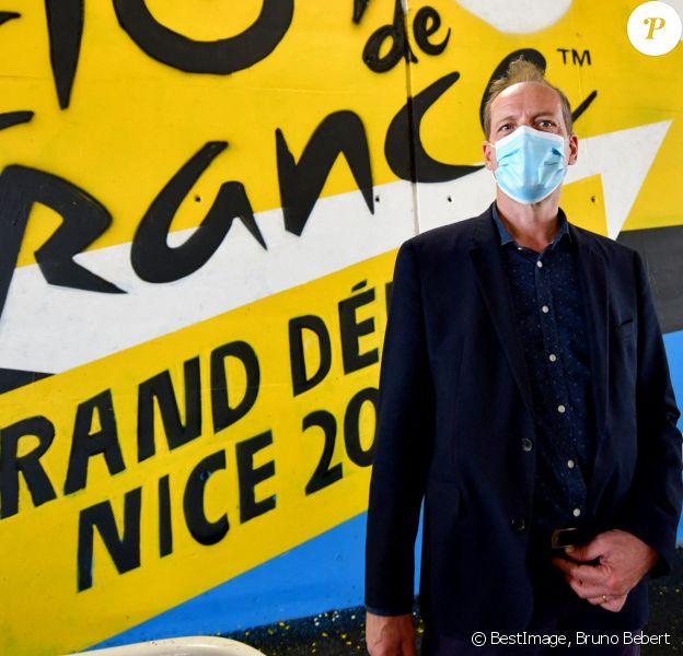 Exclusif - Christian Prudhomme, le directeur du Tour de France, durant le dévoilement des fresques de l'artiste Otom sous le pont du stade Allianz Riviera à Nice (été 2020). © Bruno Bebert / Bestimage