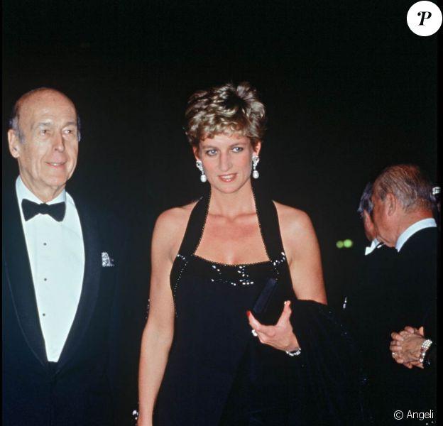 Valéry Giscard d'Estaing et Lady Diana lors d'un gala à Versailles en 1994
