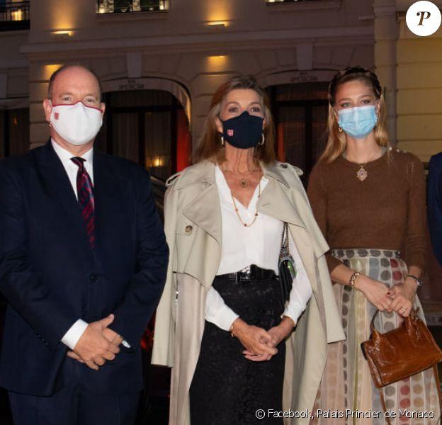 Béatrice Borromeo, le prince Albert de Monaco, la princesse Caroline de Monaco - La famille princière de Monaco assiste à un concert en plein air sur la Place du Casino de Monaco, 2020.