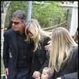 Valérie Bourdin et ses filles Tanelle et Sasha aux obsèques de Filip Nikolic, à Sainte-Geneviève-des-Bois, dans l'Essonne. 24/09/09