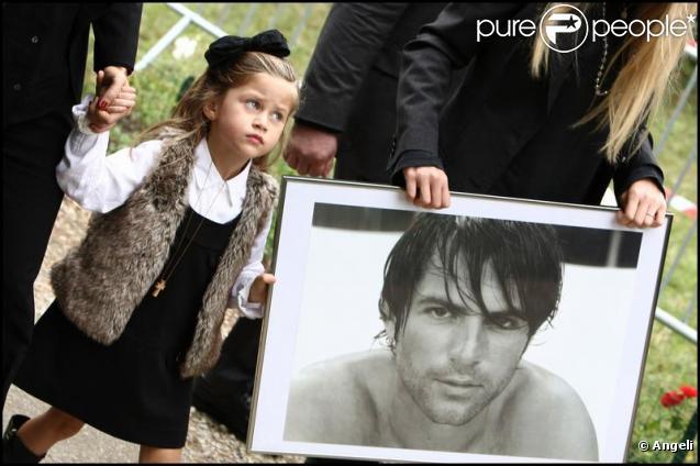 Sasha, 4 ans et demi, aux obsèques de son papa Filip Nikolic, à Sainte-Geneviève-des-Bois, dans l'Essonne. 24/09/09