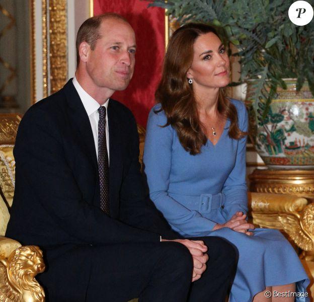 Le prince William, duc de Cambridge, et Kate Middleton, duchesse de Cambridge, reçoivent le président d'Ukraine, Volodymyr Zelensky et sa femme Olena à Buckingham Palace à Londres, octobre 2020.