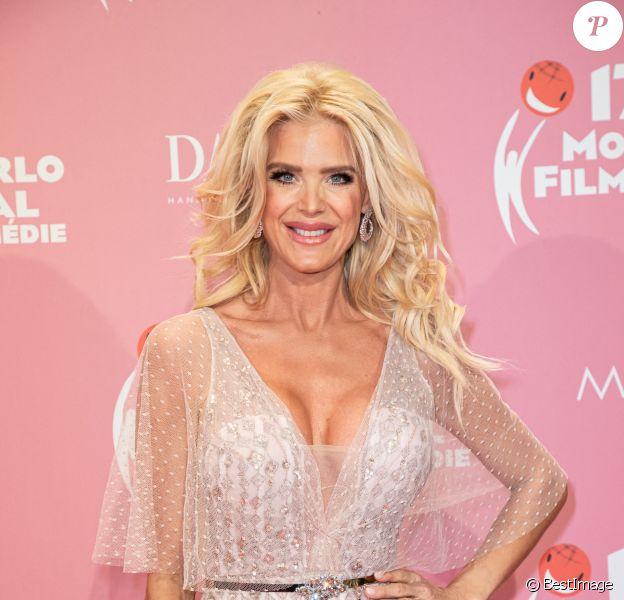 Victoria Silvstedt au photocall du 17ème Festival de la Comédie de Monte-Carlo à Monaco, octobre 2020.