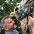 """Fabrice de """"Koh-Lanta"""" avec un chameau, le 23 août 2020"""