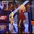 Le sosie de Pamela Anderson fait irruption sur le plateau