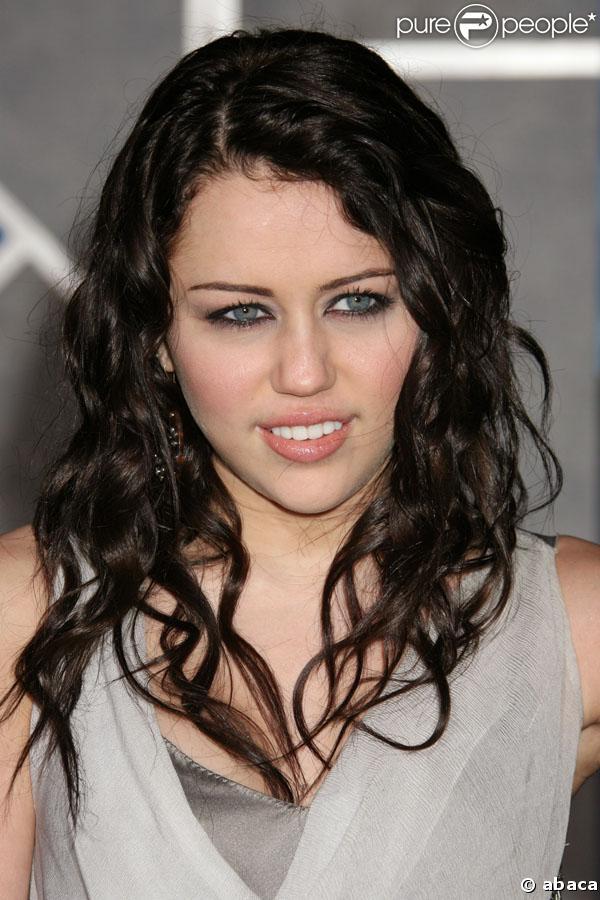 Miley Cyrus fera partie des remettants lors de la 80e cérémonie des Oscars
