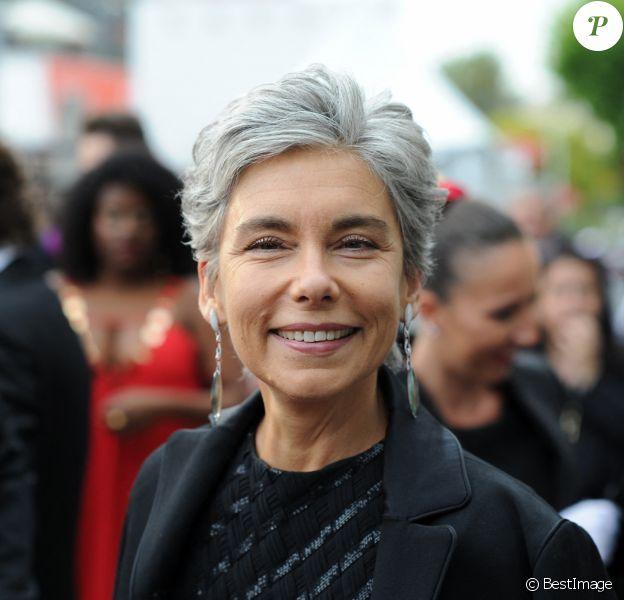 """Exclusif - Élisabeth Quin - Arrivée des people avant la montée des marches du film """"La belle époque"""" lors du 72ème Festival International du Film de Cannes"""