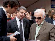 Charles Aznavour entre Drouot et Montmartre... toujours bien accompagné !