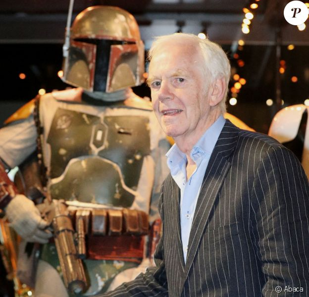 "Jeremy Bulloch, Boba Fett dans la saga ""Star Wars"", visite l'exposition ""Star Wars Identities"" à Londres."