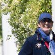 Exclusif - Jean-Luc Reichmann, tout sourire, se rend à son parking pour récupérer sa voiture à Paris, France, le 16 mai 2020.