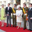 Le prince Louis de Luxembourg et son épouse Tessy Antony, le prince Felix, le prince Guillaume, la grande-duchesse Maria Teresa et le grand-duc Henri, le prince Sebastien, lors de la Fête nationale du Luxembourg, le 23 juin 2009.