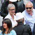 Estelle Denis, Raymond Domenech, François Berléand et sa compagne Alexia Stresi - People dans les tribunes des Internationaux de France de tennis de Roland Garros à Paris. Le 1er juin 2015.
