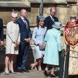 Le prince Harry, duc de Sussex, Zara Tindall, Mike Tindall, le prince William, duc de Cambridge, et Catherine (Kate) Middleton, duchesse de Cambridge, le prince Andrew, duc d'York et la reine Elisabeth II d'Angleterre, arrivent pour assister à la messe de Pâques à la chapelle Saint-Georges du château de Windsor, le 21 avril 2019.